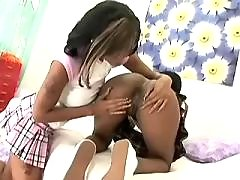 black lesbians serve pussies each other